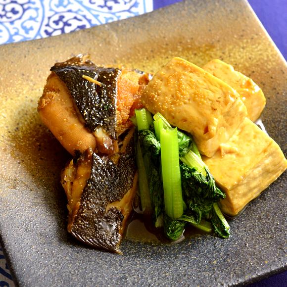簡単! 子持ちかれいと豆腐、小松菜の煮付け