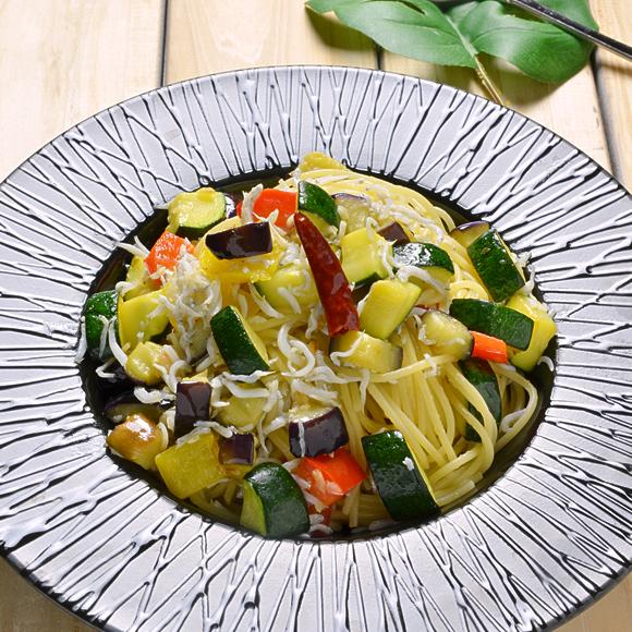 しらすと彩り野菜のアーリオ・オーリオ