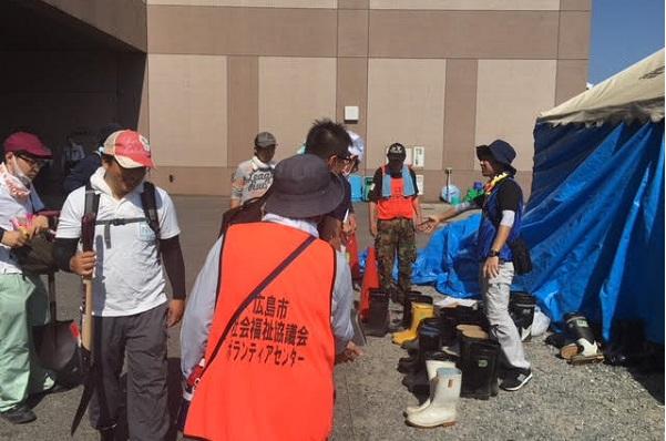 広島市安芸区災害ボランティアセンターでの活動の様子(8/3撮影)