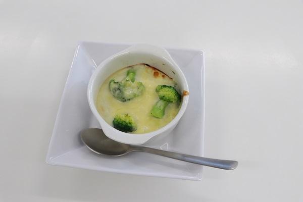 冷凍食品のブロッコリーを使ったグラタンを試食しました